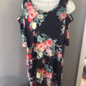Dresses & Skirts - Maternity Knee high floral dress